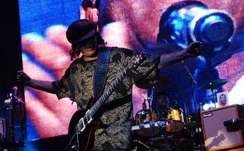 """Santana nastupio na Kalemegdanu: """"Volim kad ženu učinim srećnom"""""""