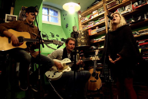 Nikol, Luka i Vedran snimili novi spot u šibenskom Azimutu