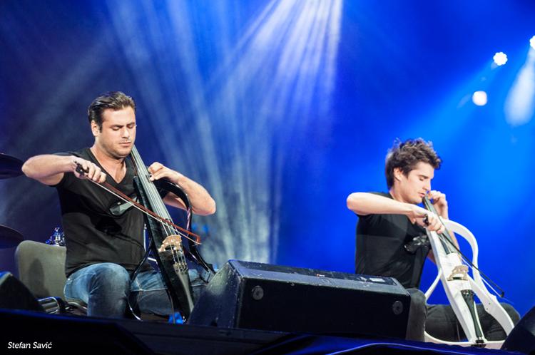 2 Cellos