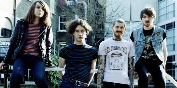 Pulled Apart By Horses objavili novi album