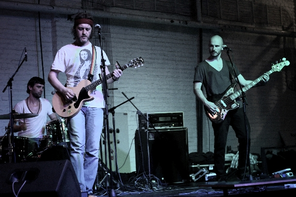 """Zoran Čalić Band predstavio se singlom """"U moru i plamenu"""""""