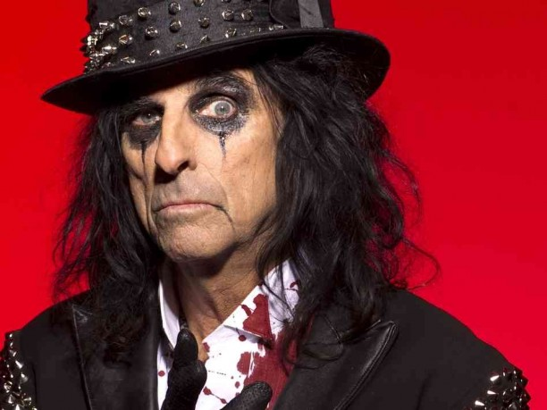 Alice Cooper gostuje u spotu Theory of a Deadman