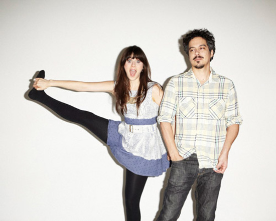 "She & Him objavili video za ""Stay Awhile"""