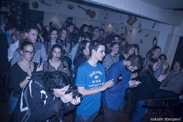 07_publika