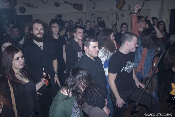 12_publika