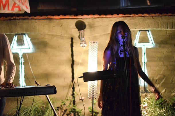 Sara Renar u Super Fly kafeu: Veče ljubavi