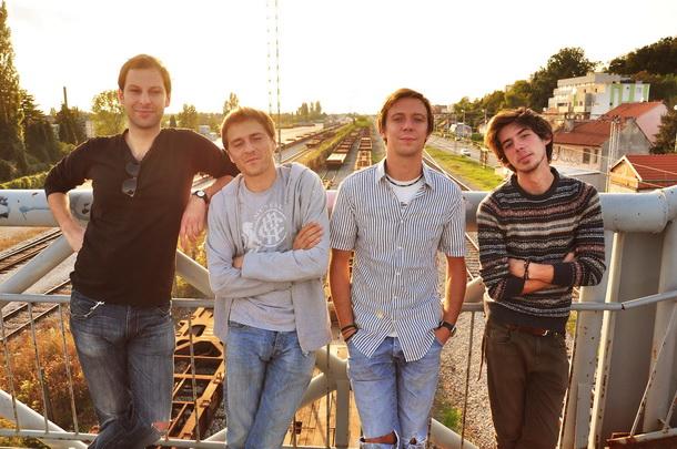 mR (S3ngs): 'Scenu ne mogu graditi glazbenici'