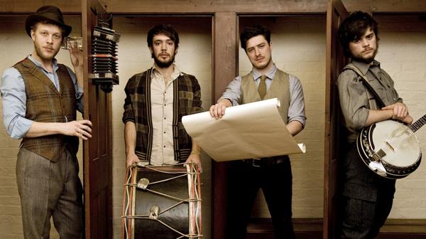 Mumford & Sons novom pesmom napustili akustični zvuk