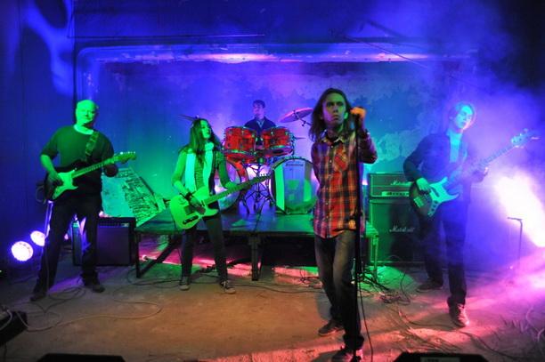 Peđa Pilot & Band pevaju o Generaciji Robinzona (video)