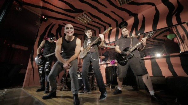 Prvi singl beogradskog sastava Revolt (video)