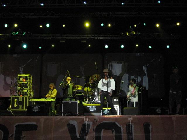 Gary Moore i Happy Mondays otvorili Jelen Pivo Live