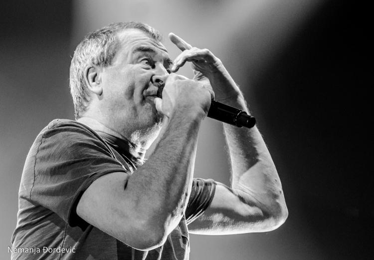 Ian Gillan u Sofiji izvodi Deep Purple pesme sa orkestrom