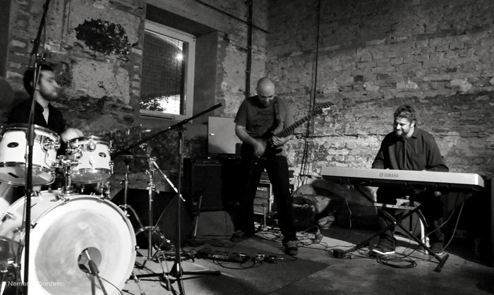 Eyot promovisali album u Nišu