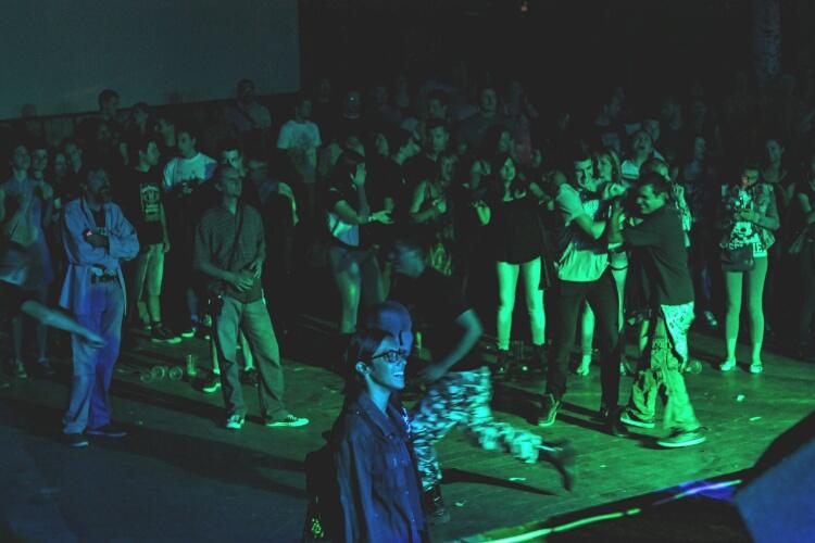003 publika
