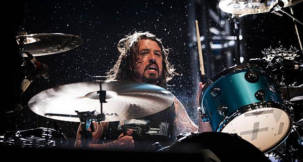dave-grohl-drumming