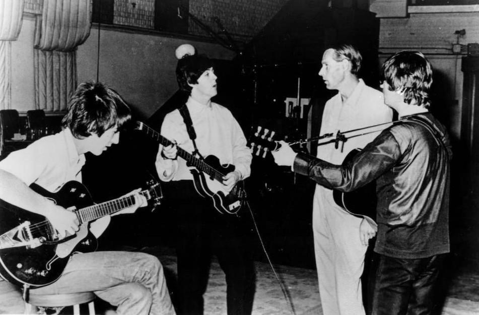 The Beatles i George Martin u studiju 1966. godine