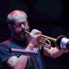 Stanley Clarke, Flat Earth Society, Dianne Reeves and Quartet, Gilad Hekselman Trio Jazzmeia Horn Kombank dvorana i Dom omladine Beograd